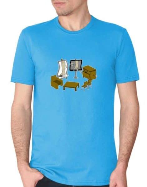 """חולצה גאונית עם הדפסה של """"חמ""""ל רהיטים"""""""